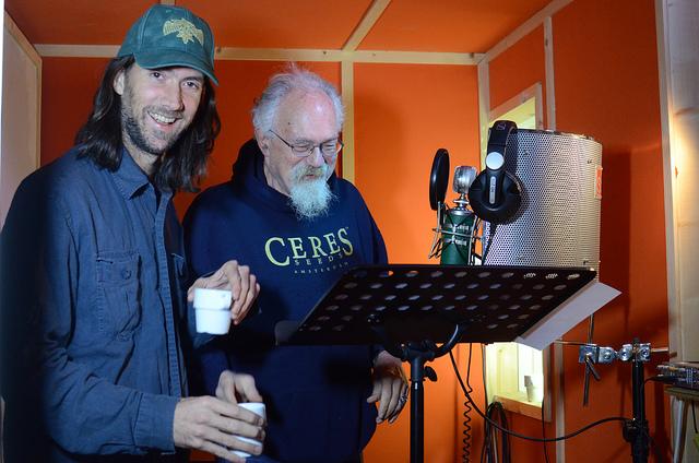 John e Steve Fly nello studio