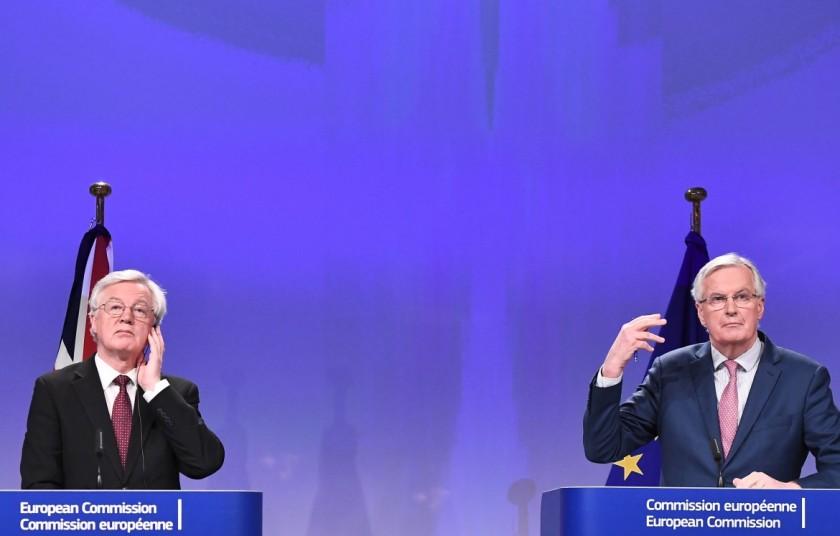 20europa-davis-barnier-brexit-afp-lapresse